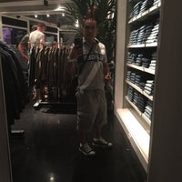Photo taken at Abercrombie & Fitch by Ruben on 7/13/2015
