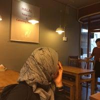 Photo taken at Eid (Korean Muslim Restaurant) by Zattielina on 10/19/2016