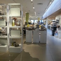Photo taken at Crate & Barrel by Monique on 2/10/2013