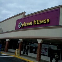Photo taken at Planet Fitness by Kei L. on 11/13/2012
