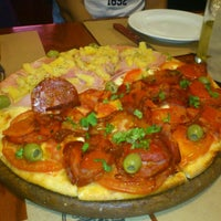 Photo taken at Central de Pizzas Polanco by Jonatan L. on 10/12/2012