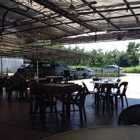 Photo taken at Cyber CT Carwash & Cafe by Niel on 12/13/2014