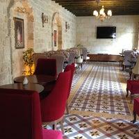 Photo taken at Şüküroğulları Cafe Restaurant by Deniz E. on 4/20/2013