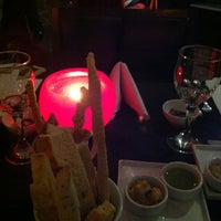 Photo taken at Duo Cuisine by Karin Tiemi M. on 10/10/2012