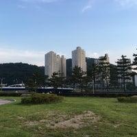 Photo taken at 나루공원(센텀시티) by Georgeanna H. on 6/11/2016