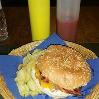 Photo taken at Twins Burger by Silvia F. on 1/19/2016