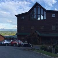 Photo taken at Smokin' View Lodge by John L. on 7/15/2016