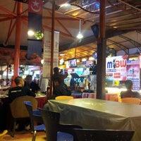 Photo taken at Restoran Singgah Selalu by Radzuan W. on 11/6/2012