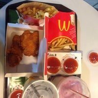 Photo taken at McDonald's by Diey d. on 9/4/2016