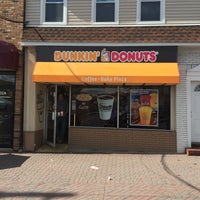 Photo taken at Dunkin Donuts by Alex V. on 4/28/2015