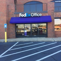 Photo taken at FedEx Office Print & Ship Center by SooFab on 11/18/2016