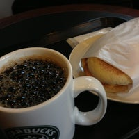 Photo taken at Starbucks Coffee ひたち野うしく店 by Sho-chang on 12/2/2012