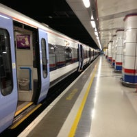 Photo taken at Cannon Street Railway Station (CST) by Chris K. on 11/23/2012