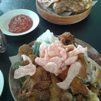 Photo taken at Restoran Kak Tini by Claire on 2/23/2015