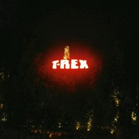Photo taken at T-Rex Cafe by Roberto O. on 10/24/2012
