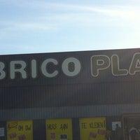 Photo taken at Brico Plan-It by Jonas r 👊👊 on 10/31/2013