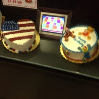 Photo taken at Cold Stone Creamery by Dachelle B. on 6/27/2014