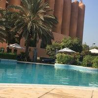 Photo taken at Sheraton Abu Dhabi Hotel & Resort by Jaf D. on 10/9/2016