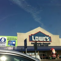 Photo taken at Lowe's Home Improvement by Andres V. on 11/3/2012