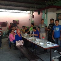 Photo taken at Isang's Chicken Inasal by nancy b. on 10/22/2014