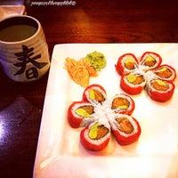 Photo taken at Hayashi Japanese Hibachi and Sushi Bar by Prisciℓℓaaah! on 10/9/2015