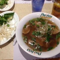 Photo taken at Pho Hoa Noodle Soup by Donnie B. on 1/2/2014