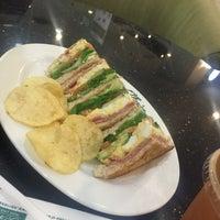 Photo taken at O'Briens Irish Sandwich Bar by Lai on 9/22/2016