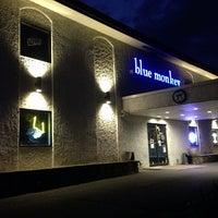 Photo taken at Blue Monkey Sports Restaurant by jeff on 7/12/2013
