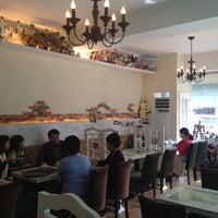 Photo taken at Vero espresso by Ali Zeeshan I. on 10/9/2012
