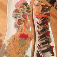 Photo taken at Endo Sushi by Leslie Y. on 11/13/2014