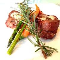 Photo taken at Lola Restaurante & Lounge by Hugo L. on 12/20/2013