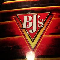 Photo taken at BJ's Restaurant and Brewhouse by DJ Cyberkid on 12/7/2012