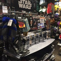 Photo taken at Hot Topic by Stacia K. on 9/30/2016