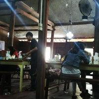 Photo taken at Ayam Goreng Kampung Mbah Karto by Lingga P. on 3/16/2014