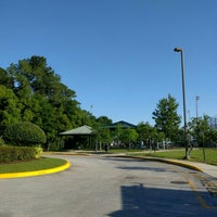 Photo taken at George Bailey Park by Adri A. on 5/8/2016