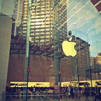 Photo taken at Apple Upper West Side by Tonsxs on 11/19/2012
