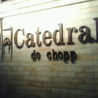 Photo taken at Catedral do Chopp by Sílvia P. on 3/24/2013