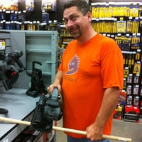 Photo taken at Lowe's Home Improvement by Gator 7 on 10/14/2012