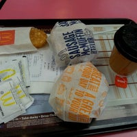 Photo taken at McDonald's by Min Qi on 11/12/2011
