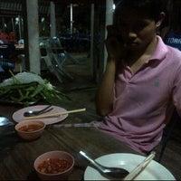 Photo taken at ไพลิน หมูกระทะ by Ohm Ohm O. on 11/21/2011