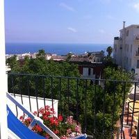 Foto scattata a Hotel A' Pazziella da Alessandra D. il 6/3/2012