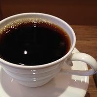 Photo taken at 맘C 좋은 아저씨가 내려주는 기분좋은 Coffee by gorekun on 4/7/2012