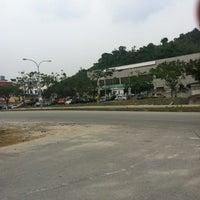Photo taken at Perodua Service Center Rawang by Muhammad Silmi M. on 8/2/2012