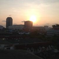 Photo taken at Bangkoknoi Sport Club & Spa by Yuwaree P. on 4/30/2014
