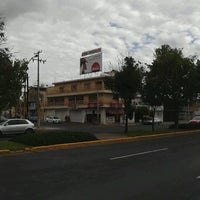 Photo taken at Perrón - Hot Dogs y Hamburguesas by Guillermo R. on 12/11/2012