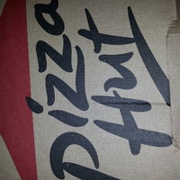 Photo taken at Pizza Hut by Maria Elena M. on 8/9/2013