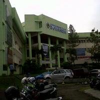 Photo taken at Universitas Djuanda Bogor by Bondan P. on 9/16/2013