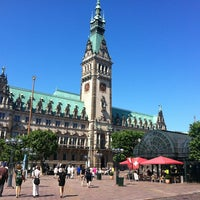 Photo taken at Hamburger Rathaus by Doris H. on 7/7/2013