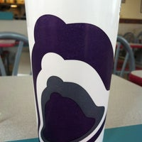 Photo taken at Taco Bell by Gabriel أ. on 11/10/2012