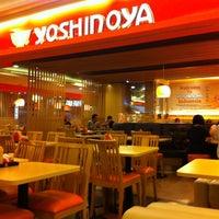 Photo taken at Yoshinoya (吉野家) by Hendry W. on 11/25/2012